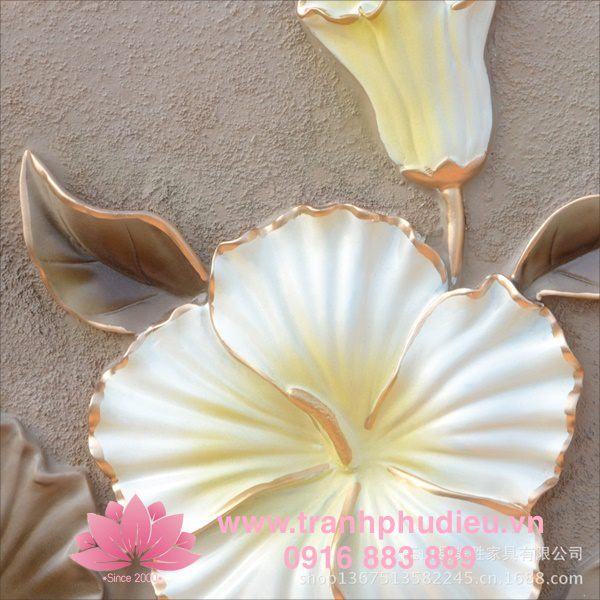 tranh phù điêu composite hoa diên vĩ