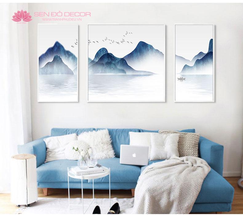 Nhâm Thìn mệnh Thủy nên chọn treo những bức tranh phong thủy sông núi mang hành Thủy, Thổ rất hợp cho chủ nhân, mang lại sức khỏe may mắn, tài lộc